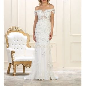 Wedding gown. Bridal dress. Evening occasion